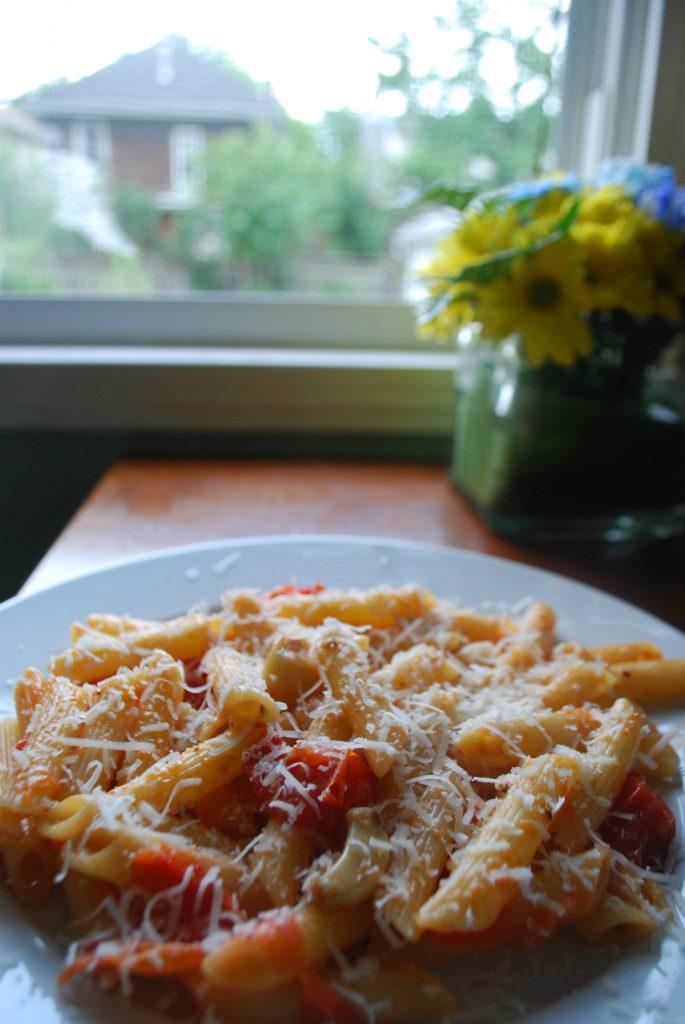Roasted Garlic and Tomato Pasta