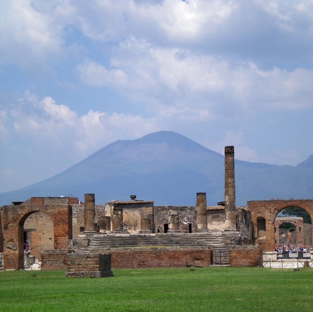 Learn what it was like to live a day in Pompeii