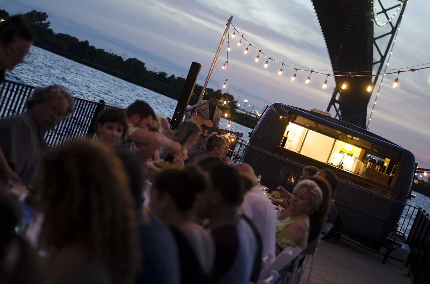 Dinner on a Pier is back!